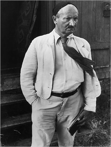 heidegger lecture 2 and 3 of Initially, in lectures given prior to 'being and time', heidegger attempted to establish an ontological route from aristotle's philosophy to his own, ie, todraw out a thread of commonality regarding human behaviour in 'society with others.